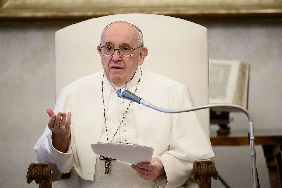 La imagen tiene un atributo ALT vacío; su nombre de archivo es Pope_Francis.jpg